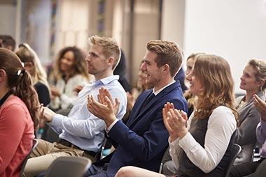 Mikro és kisvállalkozásként is szervezhetsz eredményes konferenciát!